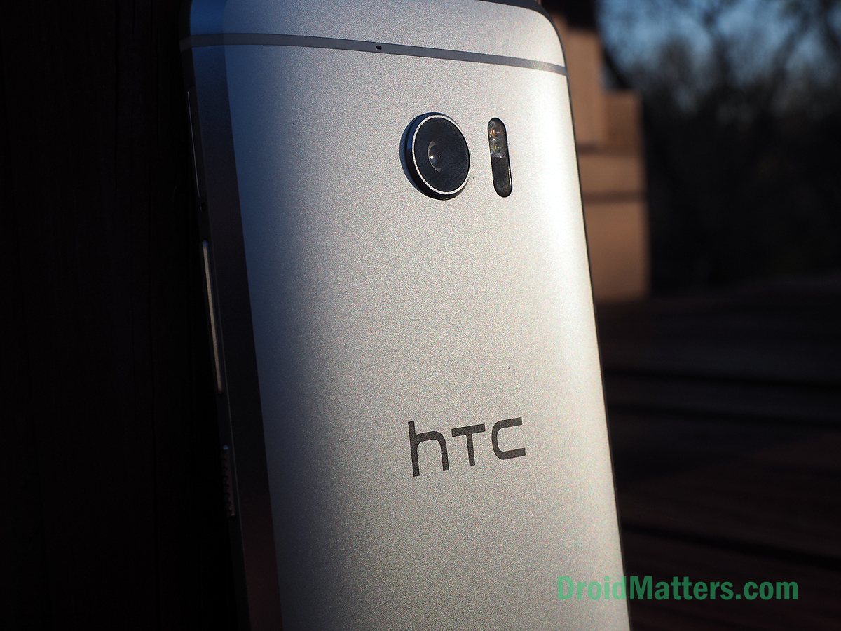 Google buys HTC